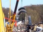 Video_Teil 3 von 3 // LIEBHERR Mobilkran LTM 11200-9.1 (?), LIEBHERR LTM 1500-8.1 (?) und CATERPILLAR CAT 323D im Einsatz. Während der Rückbauarbeiten kam ein weiterer schwerer Mobilkran der Fa. Mobi-Hub am Ostufer der Havel zum Einsatz. Da ...